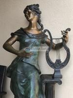 Ember magasságú, Szecessziós női Bronz szobor.