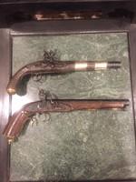 10000ft-ról! 2db antik pisztoly!