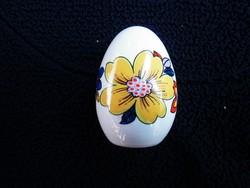 Virágos kézzel festett Aquincumi tojás