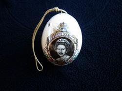 Erzsébet királynét ábrázoló illatosító fajansz tojás