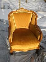 Szép faragott mintás neobarokk fotel rugós üléssel megkímélt állapotban