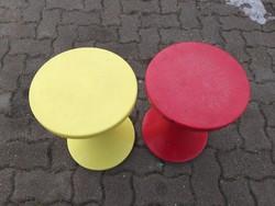 Pille szék,két darab egyben.5000.-Ft