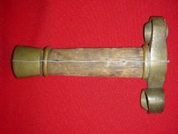 Középkori kardmarkolat