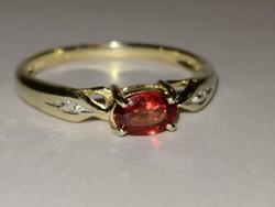 9 karátos arany gyürü,gránátkövel és gyémánttal.