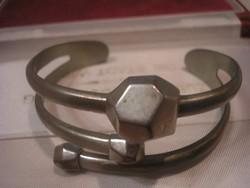 N19  Art decó  fém karperec 6-cm állítható 2.5 cm széles ritkaság eladó
