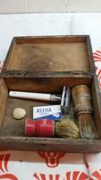 Retro borotválkozó készlet fa dobozban eladó!