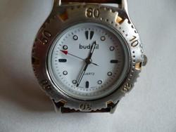 Budmil kvarc szerkezetű sportos uniszex óra eredeti fém díszdobozában