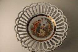 Áttört jelenetes porcelán gyümölcstál, asztalközép , kínáló tál