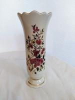 Zsolnay virágmintás váza (2.)