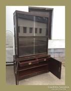 Antik,vitrin,üveges könyves szekrény,két fiókkal