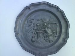 Jelenetes fali tányér ónból - jelzett
