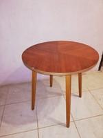 Retro dohányzó asztal