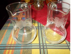 Két szép metszett üveg kancsó(Kisméretű)