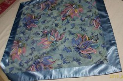 Pamut asztalterítő, selyem szegéllyel, 77 x 77 cm