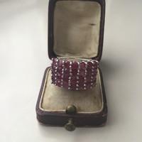 Kézműves ezüst gyűrű rubin kövekkel