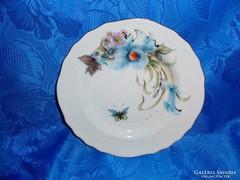Kézzel festett jelzett porcelán tányér virágos pillangós
