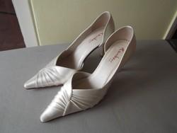 Alkalmi cipő/menyasszonyi cipő 39-es 1X használt