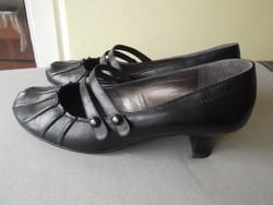 Női bőrcipő eladó! 41-es Tamaris