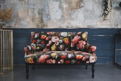 Virágos bársony felújított hibátlan bécsi ónémet kanapé , szófa , loveseat