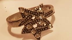 Ezüst gyűrű gyémánt hatású cirkonnal,