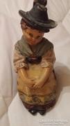 Johann Maresch női ülő  szobrocska