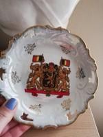 Porcelán falitányér