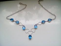Szép kék köves nyakék