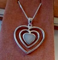 Szépséges gyöngyházas szív ezüstnyaklánc