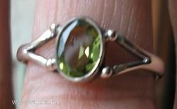 925 ezüst gyűrű 18,3/57,5 mm, peridottal