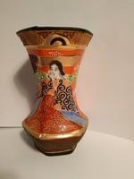 Kézzel festett japán váza