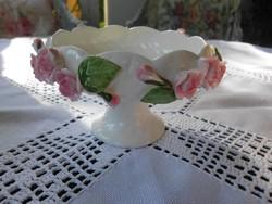 Csodaszép  rózsás porcelán tálka.