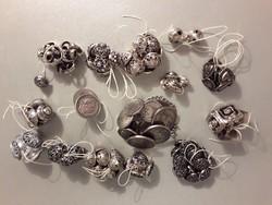 Régi designe és szecessziós fém gomb különböző gombok