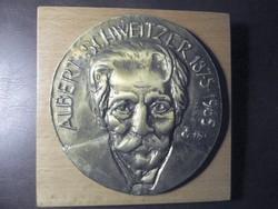 Tőrös Gábor : Albert Schweitzer plakett,  fa lapon, 1987