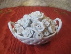 Herendi virág kosár ,fehérben ,egy két  alig észrevehető  szirom hibával  9x5 cm