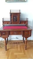 Igényes és csinos női íróasztal/fésülködőasztal