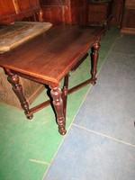 Felújított ó-német asztal