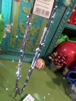 Szép , csillogó , bizsu nyaklánc , öreg ezüst színekben . Hosszabbik szál belógása 40 cm .