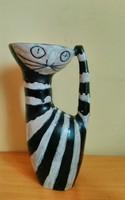 Illés Sándor retrò macskás vázája