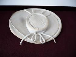 Romantikus kis kalap a régi időkből 516e8e1c1c