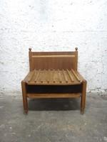 Koffertartó vagy ülôke