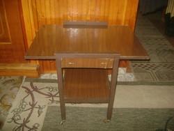 Retro gurulós zsúrasztal felhajtható asztal lappal
