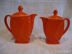 Már csak 1 db Victoria gyűjteményes porcelán piros kiöntő amelyik ép