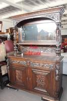 Antik,nagyon régi,szobros faragású, reneszánsz stílusú tálalószekrény