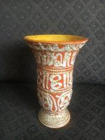 Gorka Géza csodálatos váza, hímzésmintával írókázott