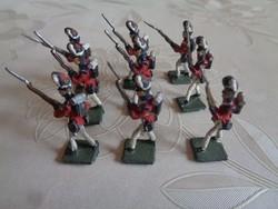 Angol szuronyos ólomkatona sereg (9 katona)
