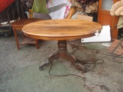 Antik-ovális- restaurálandó-Dió Asztal