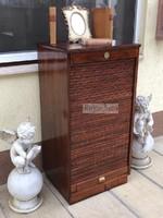 Antik bútor, restaurált Lingel sokfiókos iratos szekrény.