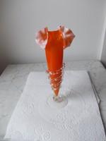Fodros száju kétrétegű szakitott váza.