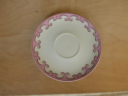 Rózsaszín porcelán kistányér