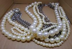 Régi,hosszú gyöngy és fém nyaklánc